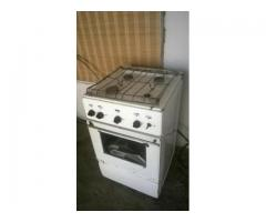 Продаю газ плиту